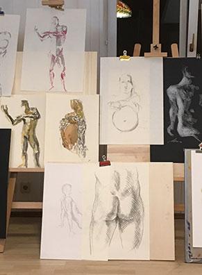 Collage mit Zeichnungen aus dem Aktzeichnen Kurs